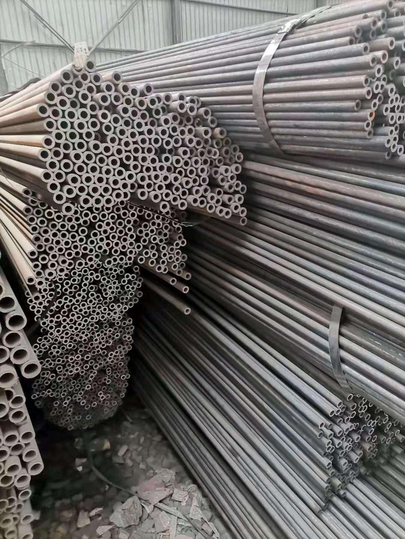 低合金钢管-低合金无缝管-低合金无缝钢管-现货销售厂家